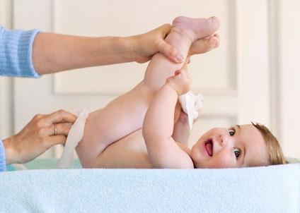 baby-diaper-change